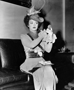 bette-davis-mirror-skeffington